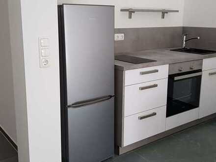 Schöne 2-Zimmer-Wohnung mit Terrasse und Einbauküche