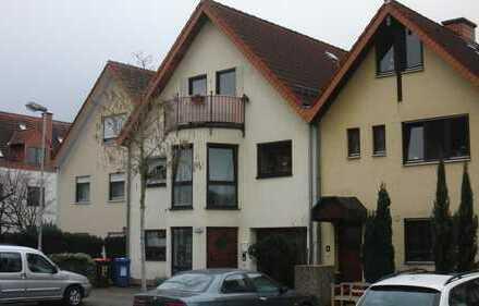 Gepflegte 4-Zimmer-Maisonette-Wohnung mit Balkon in Karlsruhe
