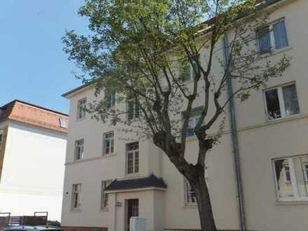 Ruhige, helle, gut geschnittene 2-Zimmer-Wohnung mit Südbalkon und Blick ins Grüne
