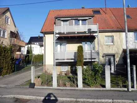 **Schöne Doppelhaushälfte in begehrter Lage von Magstadt**