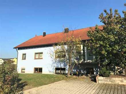 großzügiges Einfamilienhaus mit Einliegerwohnung in Högling/Fensterbach