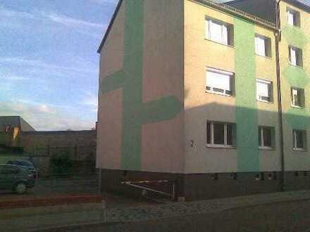 Preiswerte, gepflegte 2,5-Zimmer-Erdgeschosswohnung zum Kauf in Demmin