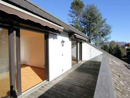 Bonn Lannesdorf, ruhige Halbhöhenlage: schöne 3-Zimmer-Wohnung mit Balkon