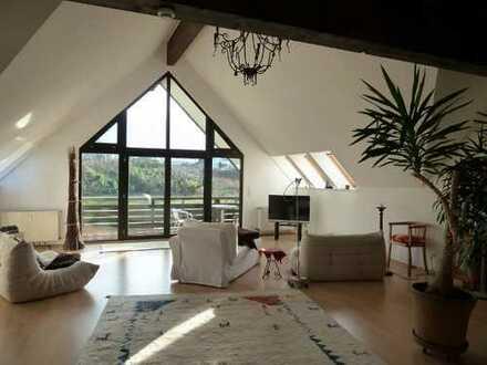 Gepflegte 4-Zimmer-Maisonette-Wohnung mit Balkon und Einbauküche in Neuhäusel