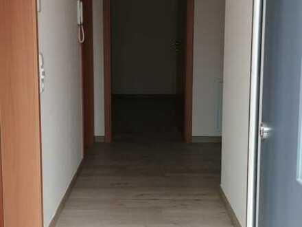 Erstbezug nach Sanierung: freundliche 2,5-Zimmer-Erdgeschosswohnung mit EBK und Balkon in Steinach