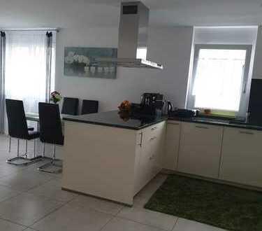 Stilvolle, neuwertige 3-Zimmer-Wohnung mit Balkon und EBK in Bad Säckingen