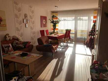 Schicke 3-Zimmer-Wohnung mit Balkon und EBK in Bruchköbel