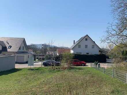 Einfamilienhaus mit zwei Einheiten (Doppelhaus)