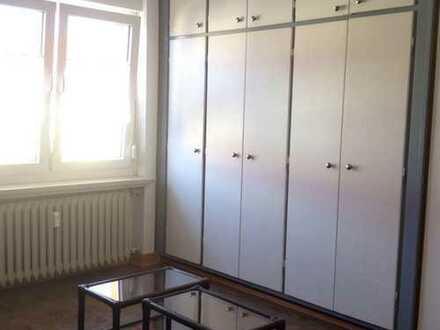 Neue Mitbewohnerin in eine 5 Zimmerwohnung gesucht