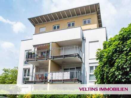 Hausen: Nahe Messe: Sehr helle, moderne 4,5-Zimmer-Wohnung mit großem Balkon und Einbauküche