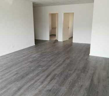 NEUBAU sehr moderne Praxis, Friseursalon, Büro, Gewerbe- /Verkaufsfläche (A2)