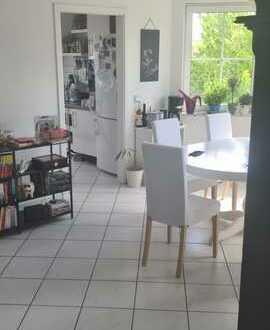 Schöne 3-Zimmer-Maisonette-Wohnung mit Balkon in Saulheim