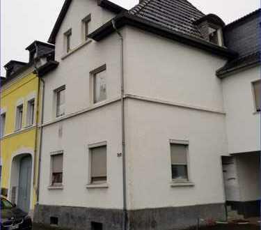 Mehrgenerationenhaus in guter Lage von Bonn-Duisdorf