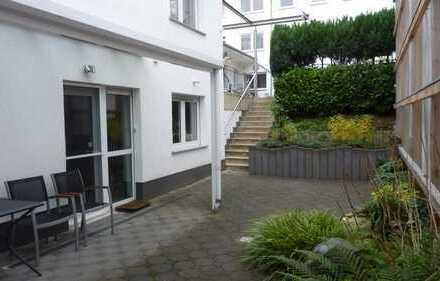 Sülz, Hinterhofbereich, 166m² + 42m² Freifläche + PKW-Stellplatz