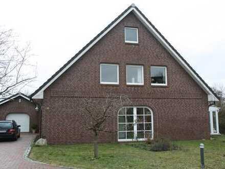 Vollständig renovierte, geräumige 3-Zimmer-EG-Wohnung mit Wintergarten und Garage in Cuxhaven