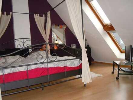 Zentrumsnah, Helle 3 Zimmer-Maisonette-Wohnung - Balkon