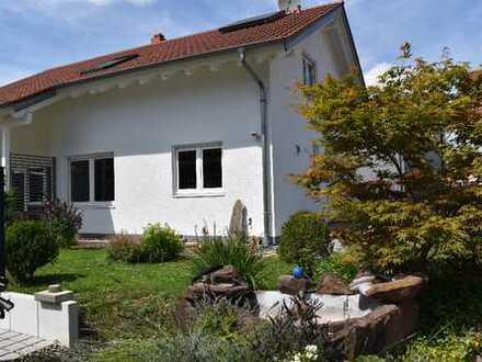 Schönes Haus mit sechs Zimmern in Breisgau-Hochschwarzwald (Kreis), Breisach am Rhein