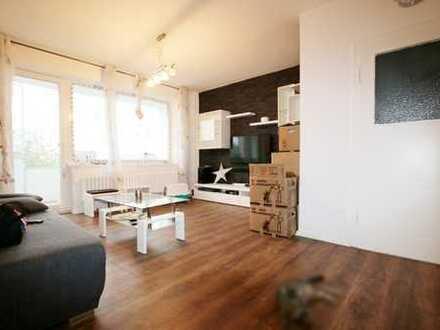 Helle, sanierte 3-Zimmer Wohnung - Balkon - WG-geeignet - offener Wohn-/Küchenbereich