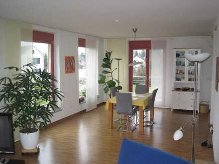 155 m² Wfl., 4-5 Zimmer: Hochwertig ausgestattete Maisonette-Wohnung in gesuchter Wohnlage von Bühl!