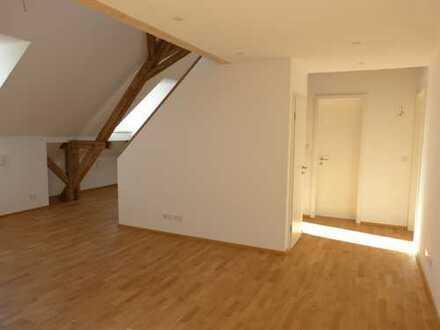 Dachgeschoß-Wohnung mit offener Wohnküche und Galerie in Sendling - neu erstellt