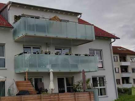 Neuwertige 4 1/2 Zimmer Wohnung Erdgeschoss ca. 120qm Süd-Terrasse Garage+50€ oder Carport+25€