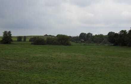 In diesem Dorf sind Sie schnell zu Hause- Tolles Grundstück auf Rügen zu verkaufen!