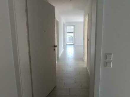 Moderne 3-Zi.-Wohnung mit Balkon, Kellerabteil und Carport in Muggensturm