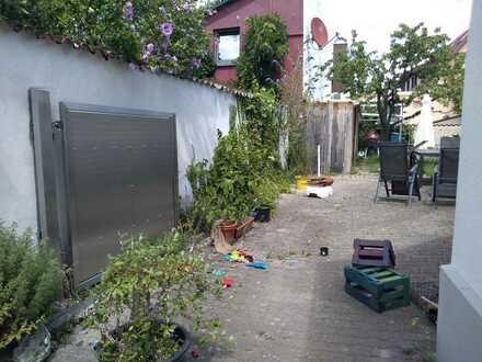 Freistehendes Einfamilienhaus auf 400m² Grundstücksfläche in Knielingen, Karlsruhe