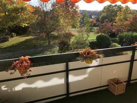 Schöner Wohnen in Frankfurt-Kalbach, traumhaft schöne 3 Zimmer Wohnung mit Sonnenbalkon und Aussicht