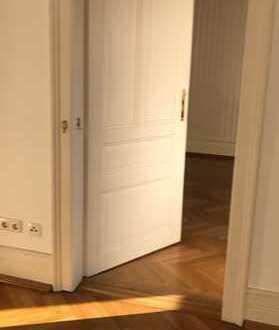 Exklusive, vollständig renovierte 3-Zimmer-Wohnung mit Einbauküche in Frankfurt am Main