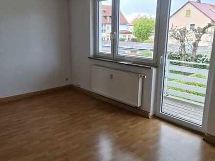 Renovierte 2 Zimmer Wohnung mit Balkon