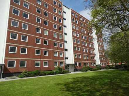 * Bezugsfrei ab 01.05. * - Top gepflegte 2-Zimmer-Wohnung über den Dächern von Lokstedt