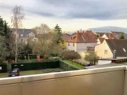 Großzügige lichtdurchflutete 3 Zimmer - Wohnung mit Balkon in MA-Wallstadt www.immo-kraemer.de