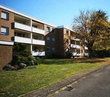 Freundliche 4-Zimmer-Wohnung mit Balkon und EBK in Paderborn