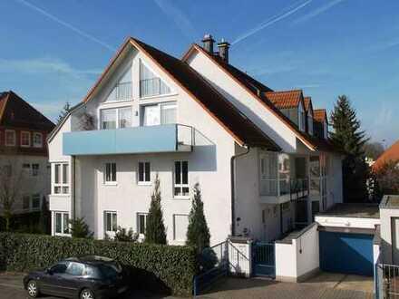 Schöne helle Dachgeschoßwohnung mit großem Balkon und Galerie