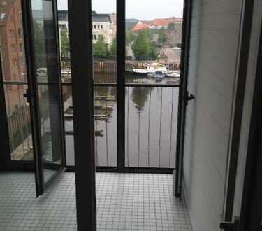 Attraktive 2-Zimmer-Wohnung mit Blick auf den Hafen