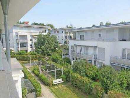 Helle gepflegte 1-Zimmer-Wohnung in zentraler Lage mit Einbauküche in Nürtingen