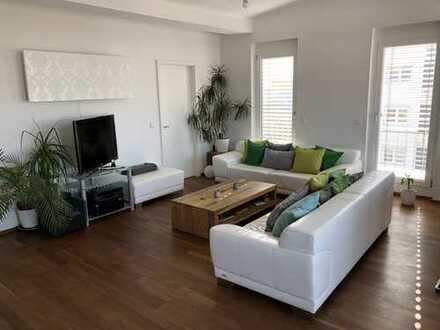 Moderne 3-Zimmer Penthouse-Wohnung mit traumhaftem Ausblick * * provisionsfrei/vom Eigentümer * *