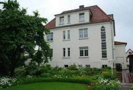 Helle, gepflegte 2,5-Zimmer-DG-Wohnung mit EBK in Gronau/Leine