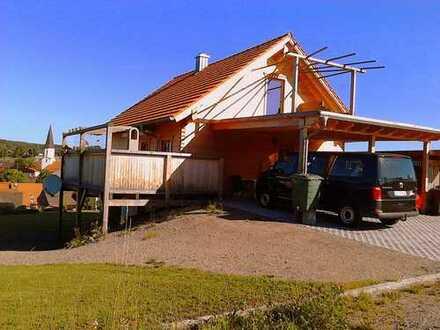 Ökologisches Holzblockhaus im Oberpfälzer Wald, ein Landstrich in Schönsee, wo andere Urlaub machen