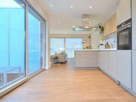 Ansprechende 4-Zimmer-Penthouse-Wohnung mit Balkon und Einbauküche in Nürnberg