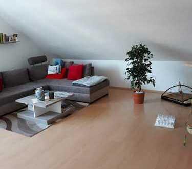 Sehr helle 3-Zi.-DG-Wohnung mit neuem Bad + Dusche in Kamen, Südkamen