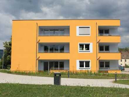 Top – Neubauwohnung mit Aufzug, Stellplatz & Balkon
