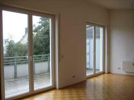 Ruhige 2-Zimmer-Penthouse-Wohnung mit Balkon und EBK in Crailsheim, Zentrum