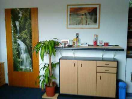 Helle Ein-Zimmer Wohnung in direkter Uni-Nähe, Homburg