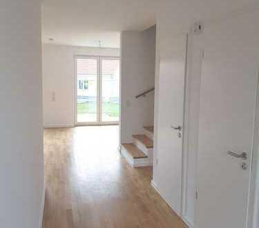 Helles Reihenmittelhaus in Schkeuditz. 3. Schlafzimmer, eigener Garten und Gäste-WC..