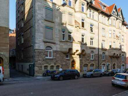 Sehr schöne drei Zimmer Wohnung in Denkmalhaus in Stuttgart, West