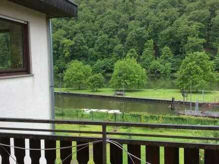 Aussichtsreiche 2-Zmmer-Wohnung mit Balkon in Neckarsteinach