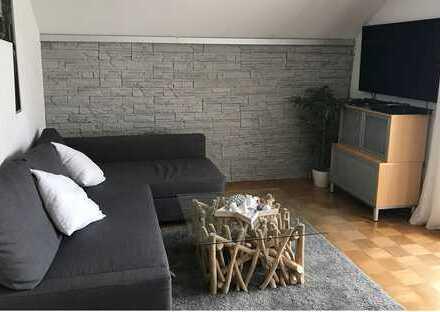 Freundliche 2-Zimmer-Dachgeschosswohnung mit Balkon in Ostalbkreis