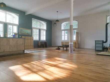Individuelle 320m² - 5 Zimmer Loft-Wohnung für Naturliebhaber mit EBK & riesiger Terrasse